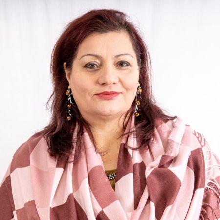 Anila Bazelli - Gjuhë dhe Letërsi.jpg